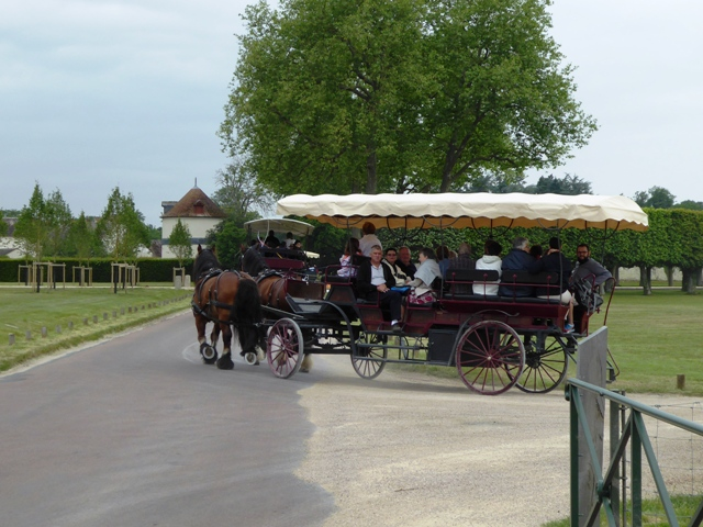 We stop for the carriages