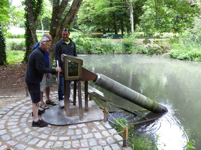 Archimedes Screw - explained for Jen again!