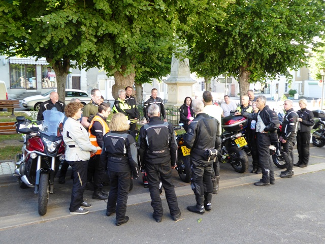 A morning briefing before we set off