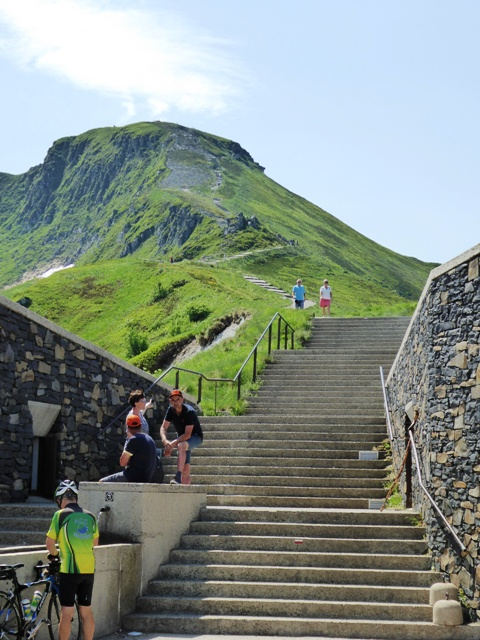 We stop at the Puy Mary