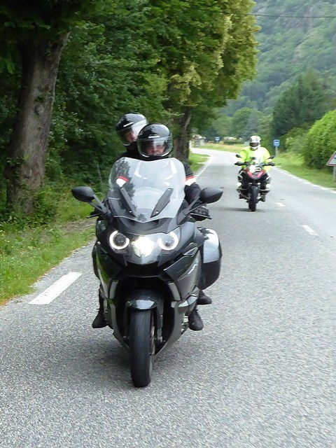Eddie & Julie on their BMW K1600 GT