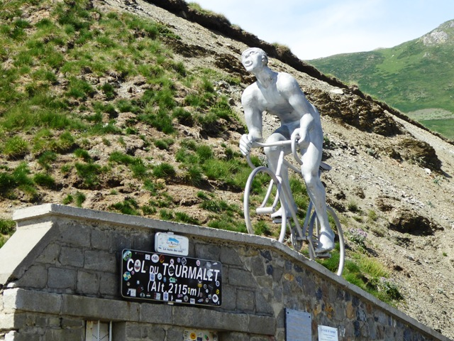 We arrive at the top - 2115m