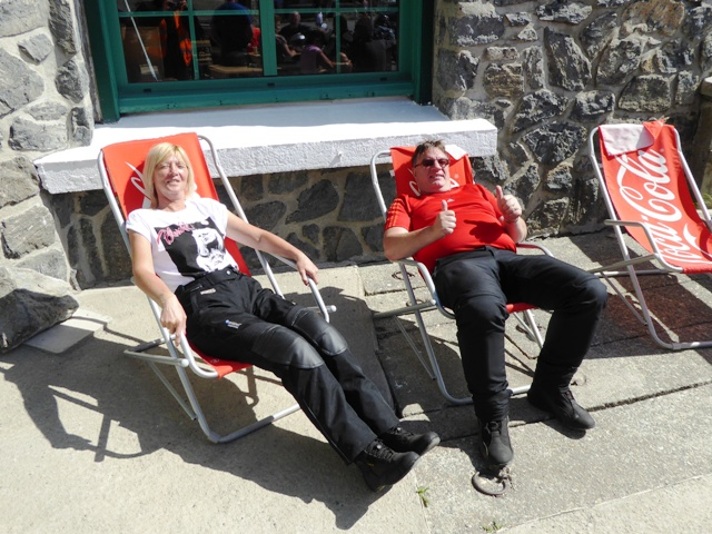 Julie & Eddie sunbathing