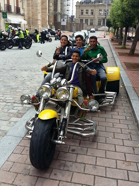 At lunch locals are fans of the trike!!