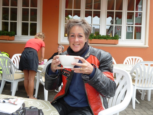 Jen with a bowl of coffee!