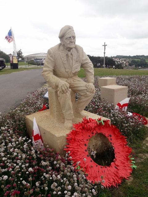 See the new statue at Arromanches